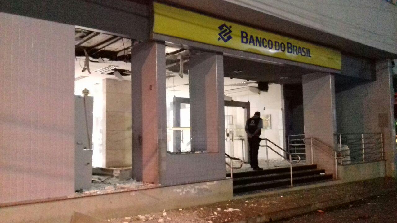 Bandidos explodem caixa eletrônico do Banco do Brasil em Codó